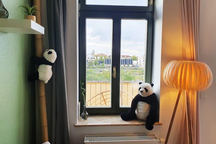 ♥Panda Plagwitz♥ Balkon mit Blick auf den Kanal