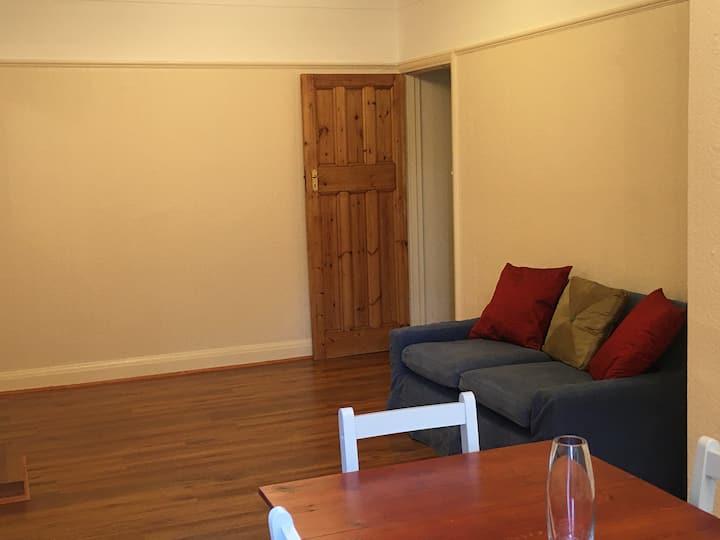Spacious, clean, modern flat in quaint Teddington