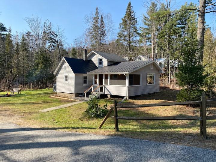 Little Spruce - Cozy, Peaceful, Adirondack Cottage