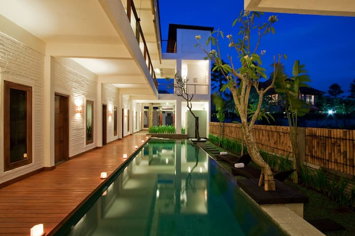 Echoland Bed & Breakfast, Canggu, Deluxe AC Room