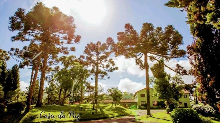 # Quarto Pousada Casa da Paz Centro Gramado c/Café
