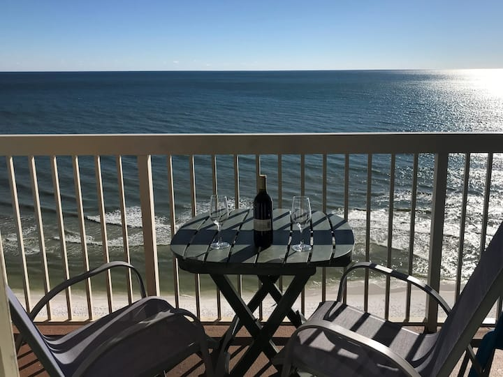 Beach Front 16th Flr Best Ocean View, New Upgrades