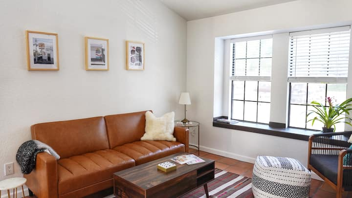 Northside Condo with Pool - Close to The Domain