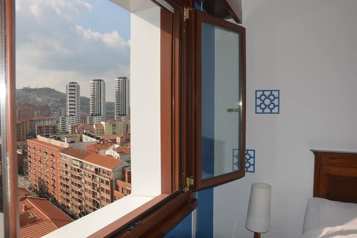 Azul Bilbao & Baño privado