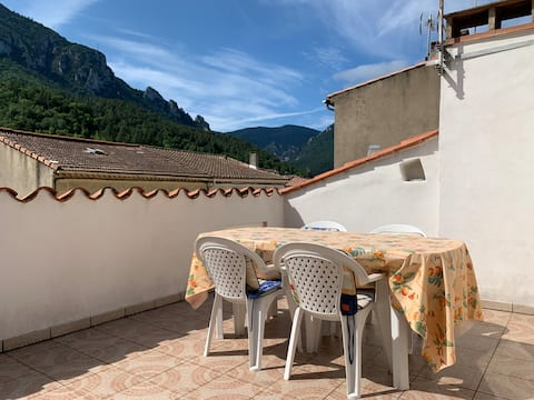 Townhouse in Southern France with a wonderful view