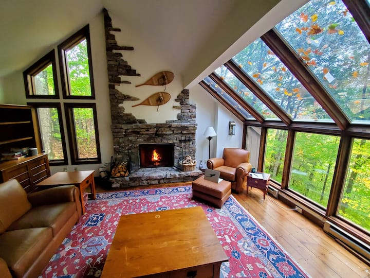 Spacious chalet with views, near Killington/Okemo
