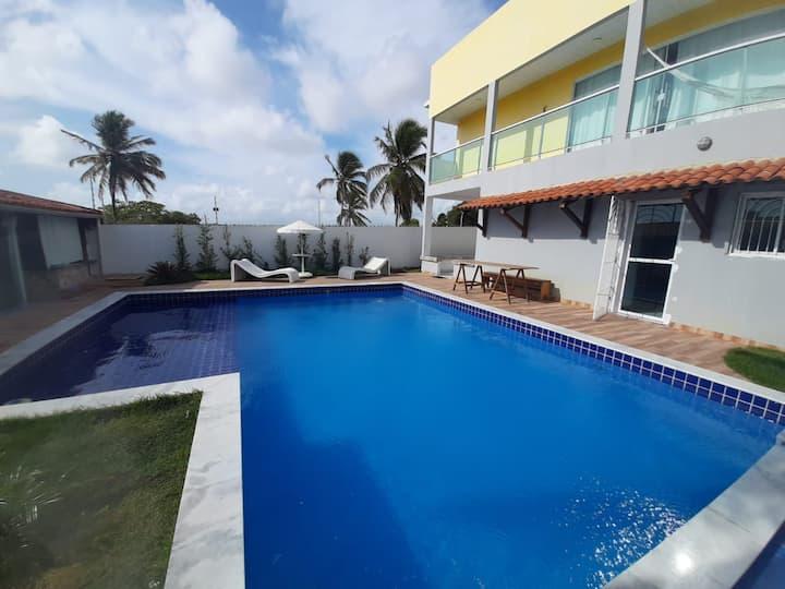 Casa com piscina e vista MAR