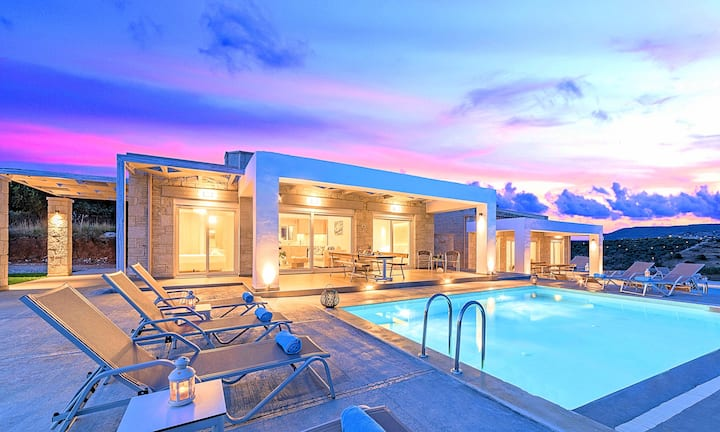 Vista Mare Villa Heated Pool