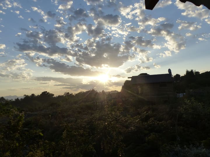 sunrise cottage  set in fynbos