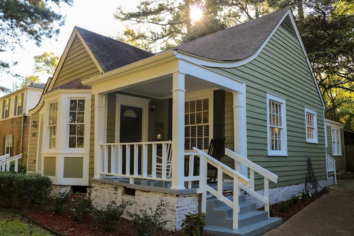 Renovated and close to Major hospitals in Fondren!