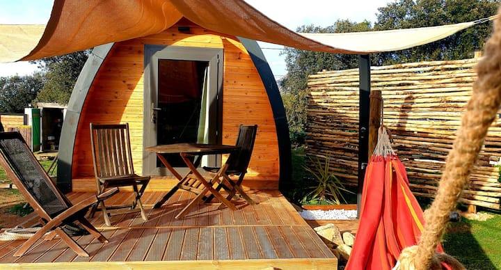 Cabane insolite et écologique en pleine nature 1