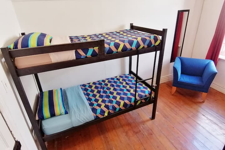 Student  Backpacker Accommodation in Obs