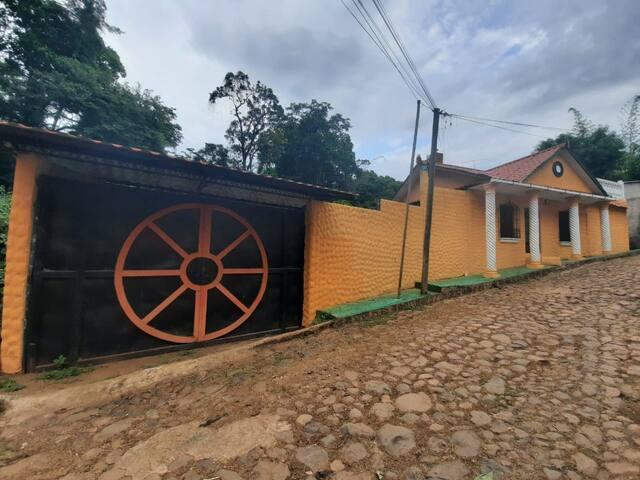 Preciosa casa a 2 minutos del centro de Suchitoto