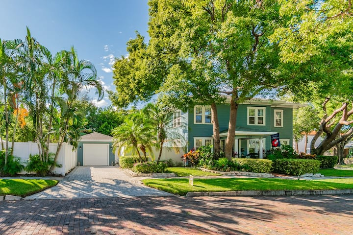 Sophisticated Walkable Downtown Heated Pool Home