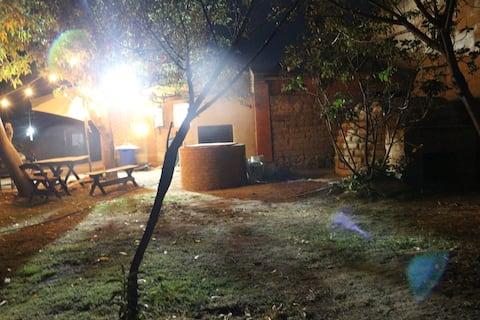 """Cabaña """"Puesta del Sol"""" con gran Jardin n Tlaxcala"""