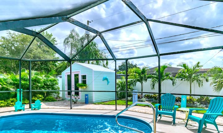 HGTV Designer POOL Home w/Cabana * 5 mins to BEACH