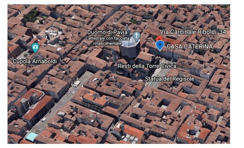 Luminoso monolocale in Piazza del Duomo a Pavia