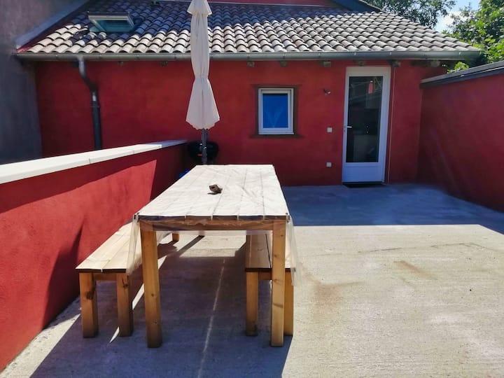 Maison, calme, jardin et terrasse privative