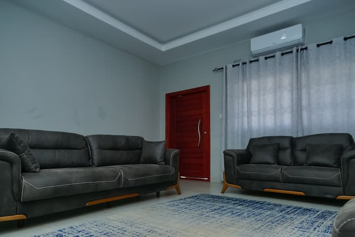 Lovely 3bedroom self catering Apartment in Lilayi