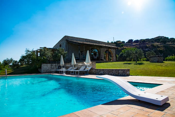 Casa colonica con piscina privata a Gerace