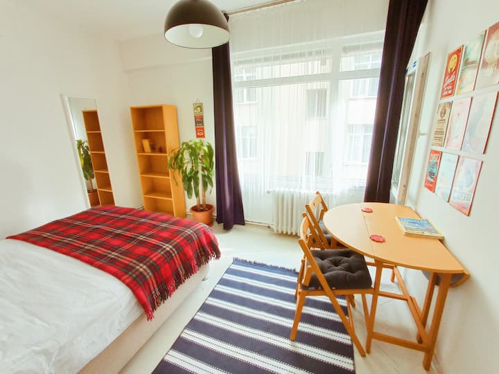 Great location, Cozy room in Kadikoy