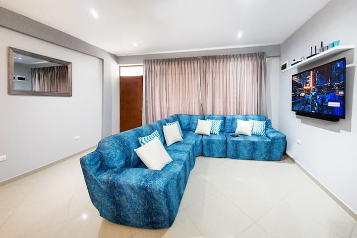 Awesome Suites - Living