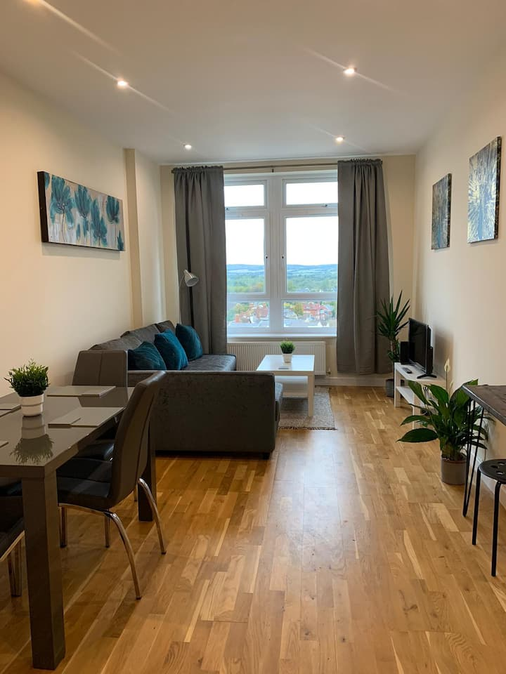 Unique & Stylish 2 Bed Apartment, The Panorama