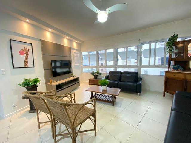 Apartamento Beira Mar - Praia do Tombo - Guarujá