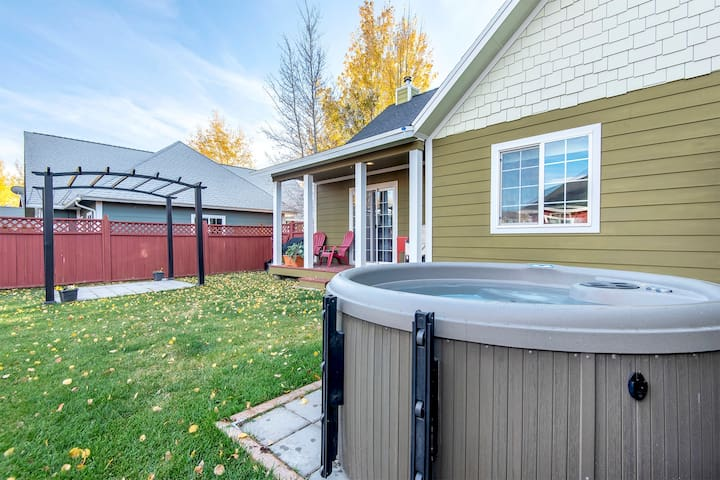 Downtown Driggs House w/ hot tub - Pet Friendly!