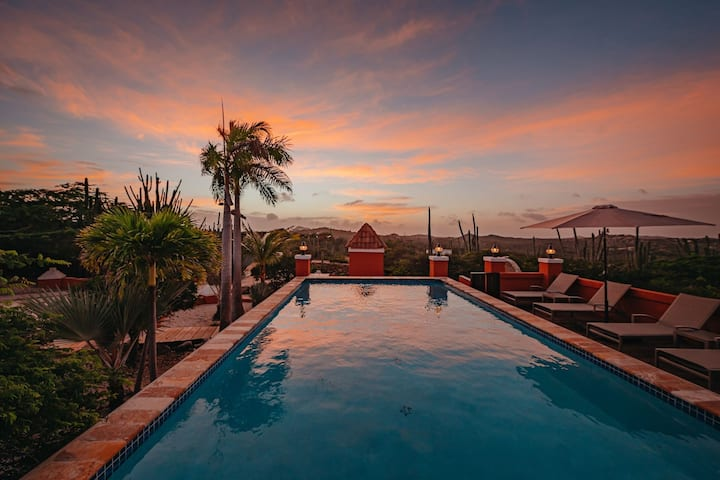 Adult-Only Boutique Resort close to Arikok