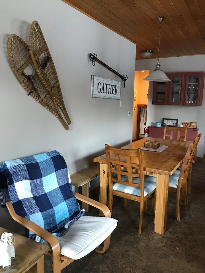 Cozy Corner Apex Mountain Retreat
