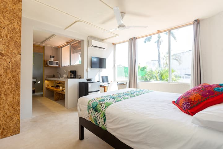 S7 Queen Bd Studio near Beach Cancun+AC+WiFi 500mb