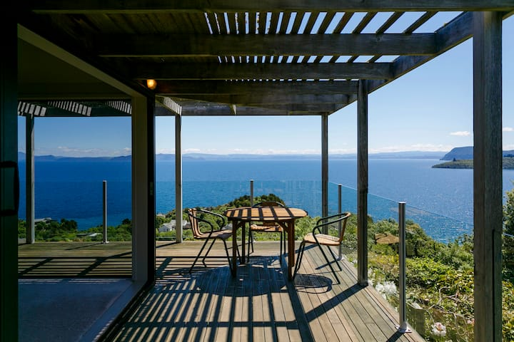 Boutique Luxe in Taupo with World Class Views