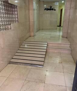 Inga trappor eller trappsteg för att gå in