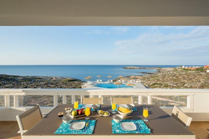 Kiani Seafront House - Eco Pool & Ocean View!
