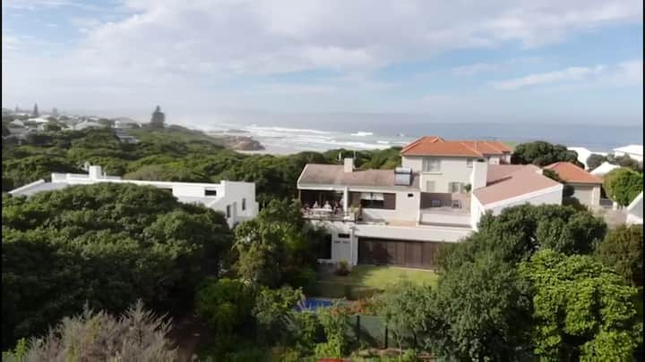 Luxurious living in quiet, yet central, Kwaaiwater