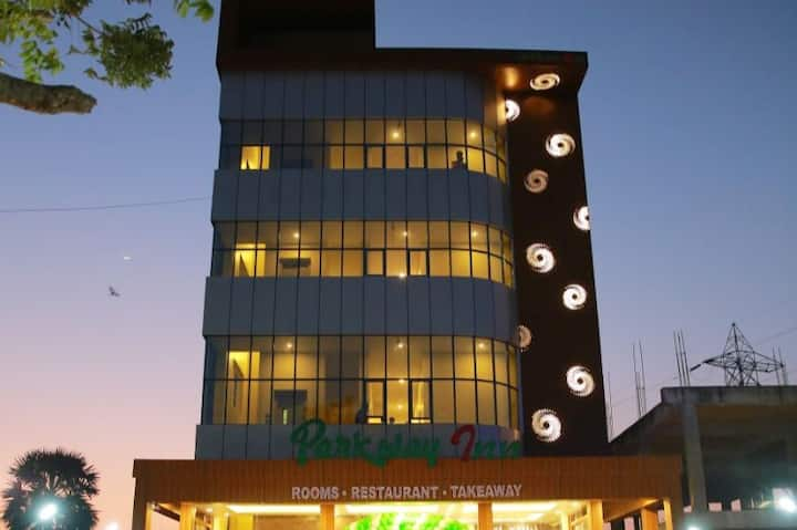 Luxury stay at Budget Price In OMR, Siruseri