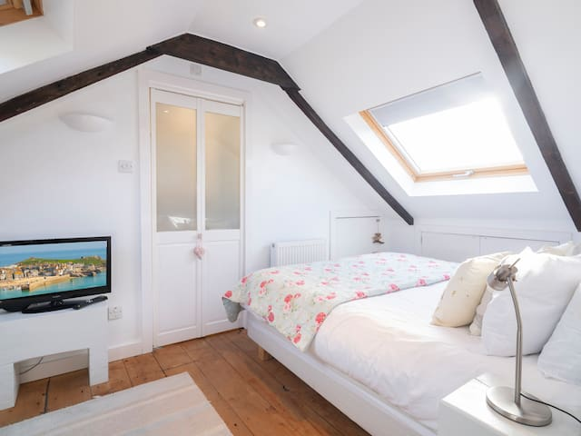 Master king ensuite on the top floor