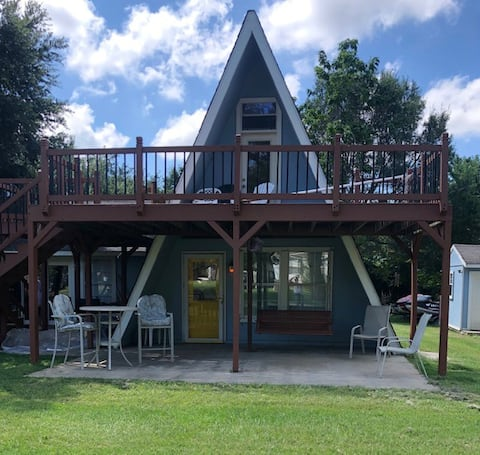 Kamp Kingswood Lake Getaway at Richland Chambers