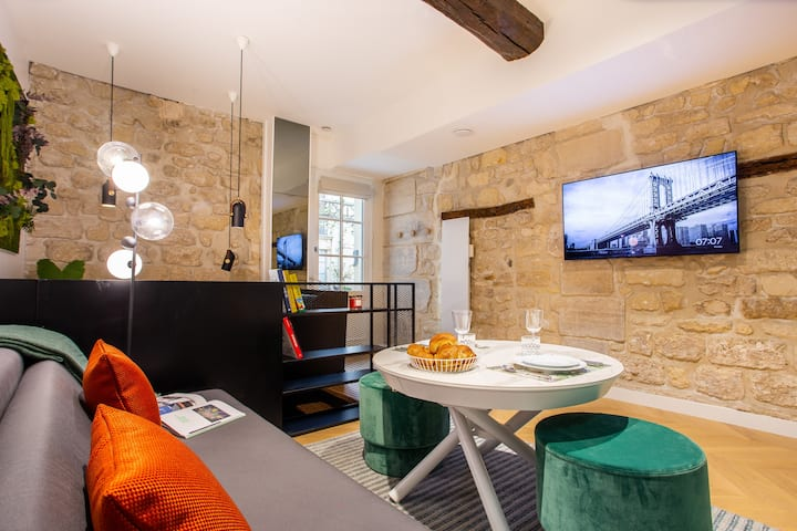 Design 1BR/4P with SAUNA Place des Vosges