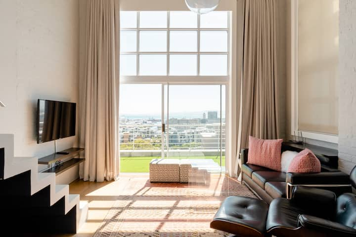 2-bed Double Volume Opulence | Magnificent Views