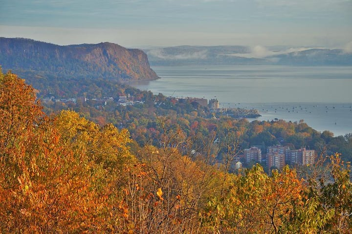 Bright, Charming Victorian Autumn on the Hudson