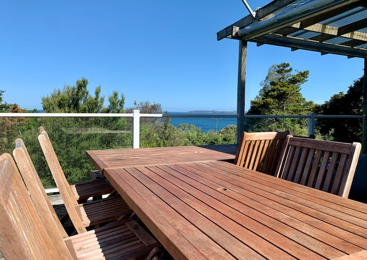 Matheson's Bay bach - close to Auckland!