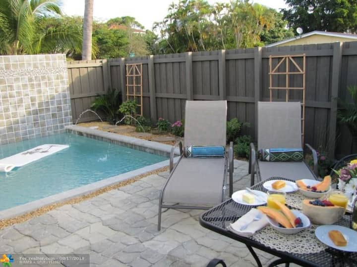Island City Oasis w/ Private Pool!