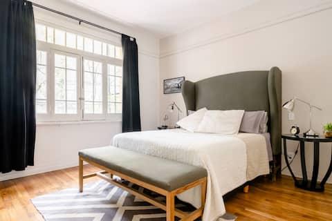 Unique apartment in Art Deco building Havre Street