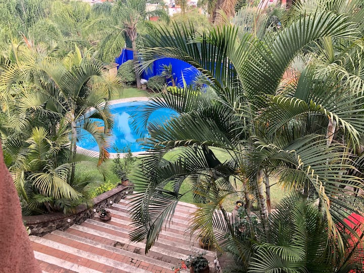 Paz y Descanso en rica Alberca y Jardin-Cuernavaca