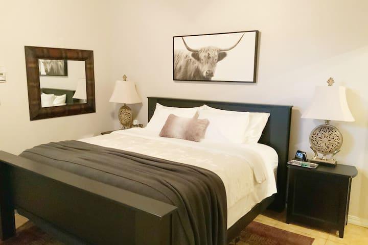 [I comfort Serta] King , heat reduction mattress cover, bamboo pillows