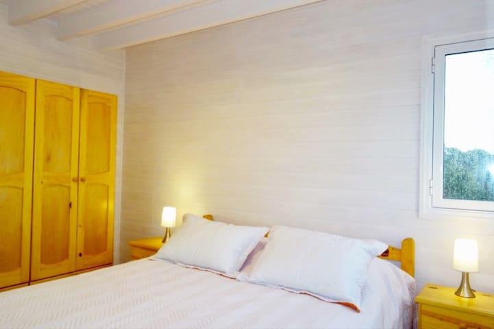 Schlafzimmer 1,  mit eigenem Bad