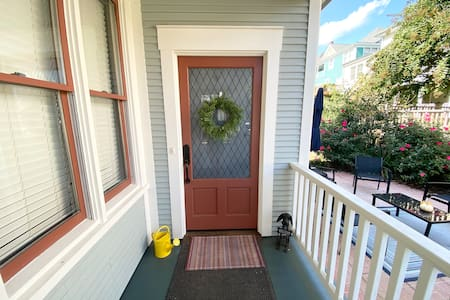 The entrance is greater than 32 inches wide for easy entrance.