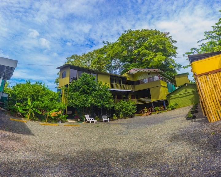 Cabina Container #1 Playas del Coco